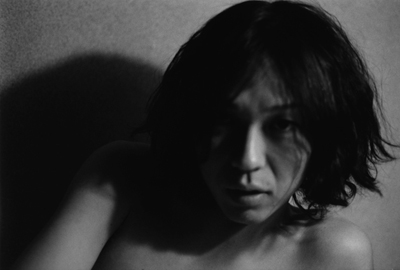 01 中村早「ふれる」 ゼラチンシルバープリント/ed.7 image size:195×290mm paper size:279×356mm