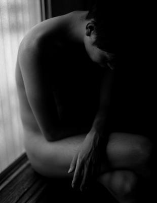 01  中村早「The Nude of Man」  ゼラチンシルバープリント/ed.3  image size:394×326mm  paper size:432×356mm