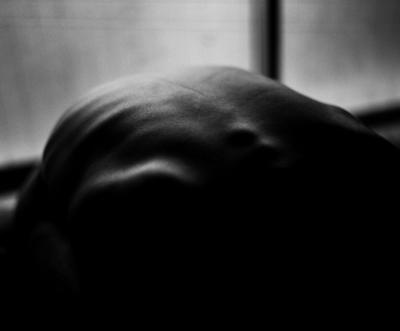 07 中村早「The Nude of Man」  ゼラチンシルバープリント/ed.5  image size:231×294mm  paper size:279×356mm