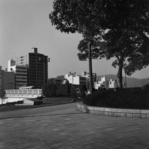 02 笹岡啓子「PARKCITY」 1000×1200 mm/ゼラチンシルバープリント/ ed.5