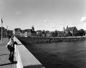 01 本山周平「The Time of Castles, the Everydayness of Light」 256×203mm / ゼラチンシルバープリント / ed.5