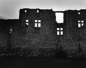 02 本山周平「The Time of Castles, the Everydayness of Light」 256×203mm / ゼラチンシルバープリント / ed.5