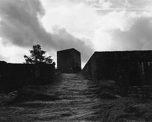 03  本山周平「The Time of Castles, the Everydayness of Light」 256×203mm / ゼラチンシルバープリント / ed.5