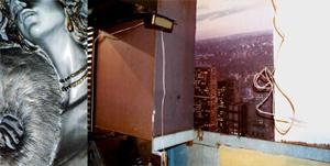 06 小出直穂子「Wall diptych」 173×80.5cm/タイプCプリント