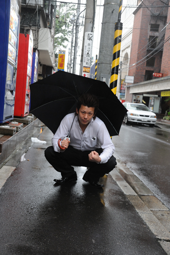 "Kazutomo Tashiro/田代 一倫: ""When hamayuris are in bloom: Kokubuncho/はまゆりの頃に 国分町"""