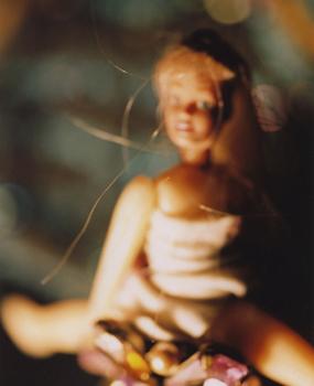 01 高橋万里子「月光 1. 人形」 タイプ Cプリント / ed. 10  作品サイズ:558×455mm