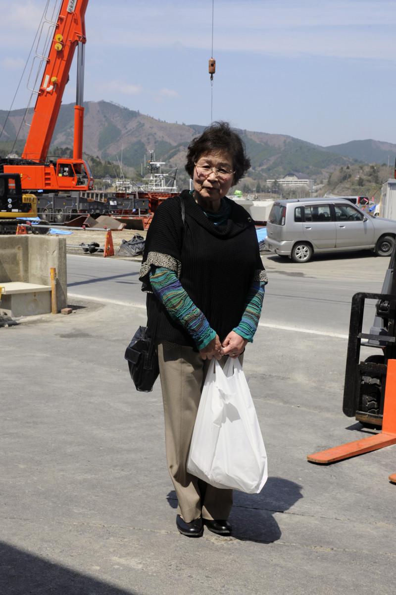 2013年4月25日宮城県牡鹿郡女川町鷲神浜 「みなしに住んでます」 この地域では、仮設住宅でなく、借り上げの住居で自宅に帰る日を待つ方々のことを「みなし」と呼ぶそうです。なぜそう呼ぶようになったかは分からないそうです。