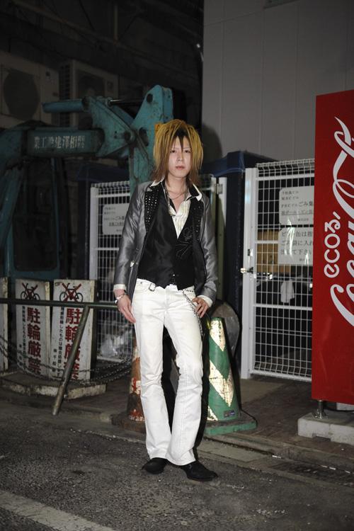 2012年6月23日 宮城県仙台市青葉区国分町 震災直後は、実家のある岩手県遠野市に帰っていたという青年です。それから半年後、再び国分町に戻ってホストを再開したそうです。